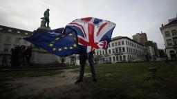 Británia definitívne opustila EÚ, začali platiť nové pravidlá