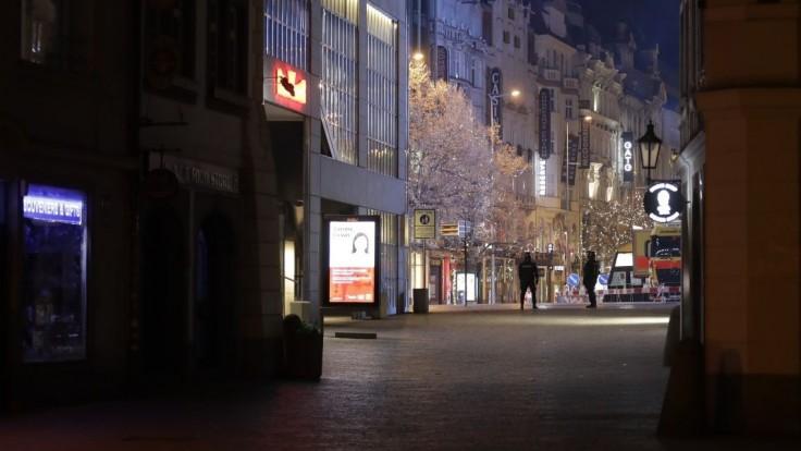 Vážna situácia v ČR, nákazu našli u takmer polovice testovaných