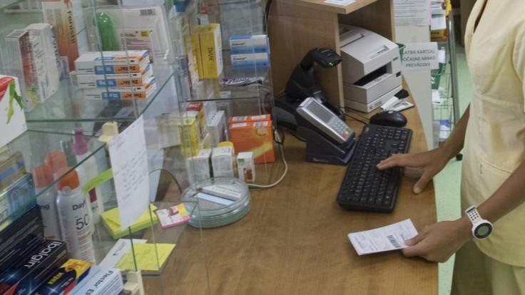 Bez doplatku je takmer 1 300 liekov, MZ SR chce jasné kritériá