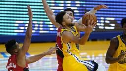NBA: Curry je späť vo forme, sám nastrieľal 62 bodov