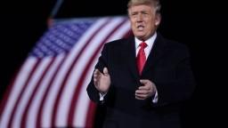 Trump sa stále nevzdáva. O Biely dom chce bojovať ako diabol