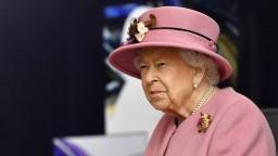 Zamestnanec okrádal kráľovskú rodinu, časť vecí dal na eBay