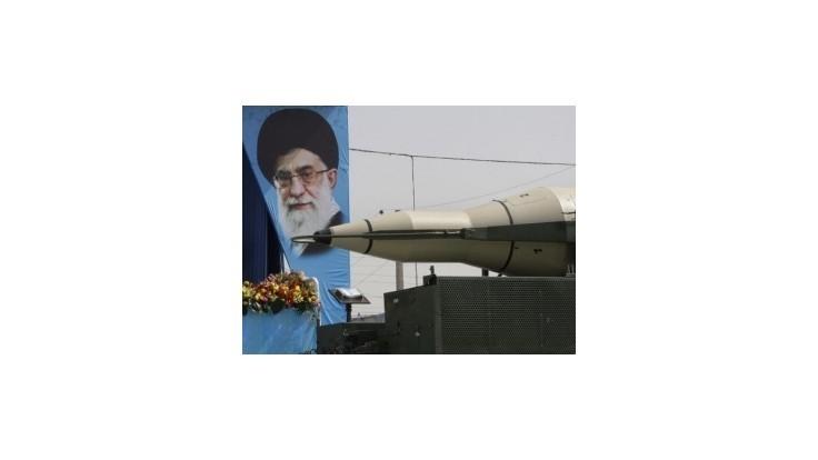 Británia, Francúzsko a Nemecko požadujú nové sankcie voči Iránu