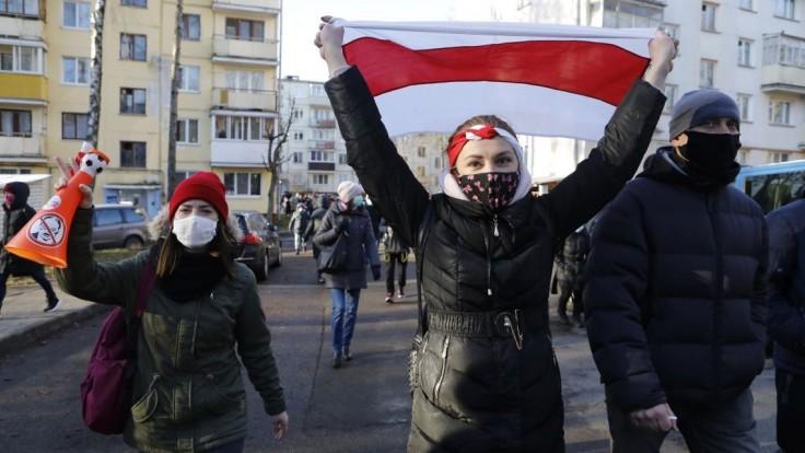 Bielorusko má nový znak. Odkazuje viac na Západ ako na Rusko