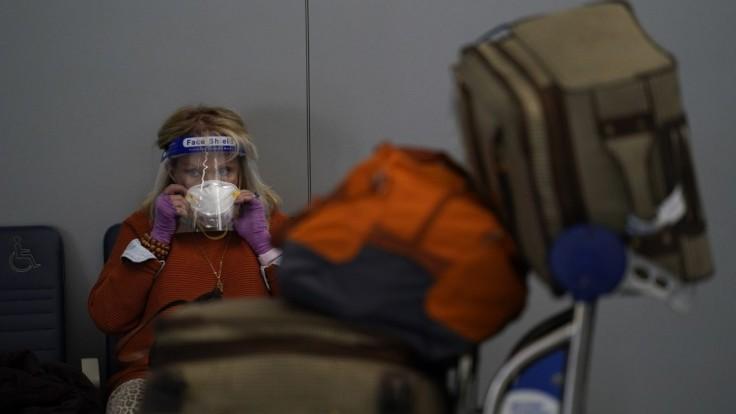 USA evidujú státisíce nových prípadov, spoliehajú sa na očkovanie