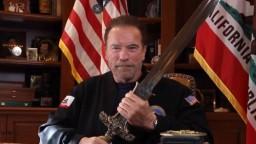 Boli ako nacisti. Schwarzenegger prehovoril o útoku na Kapitol