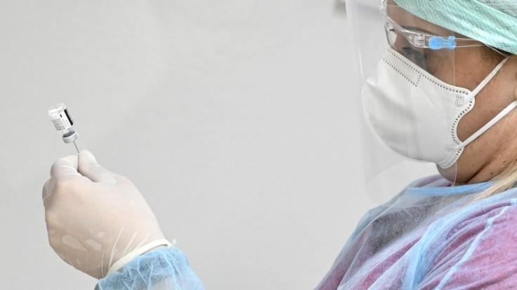Po očkovaní hlásia v SR podozrenia na nežiadúce účinky. O čo išlo?