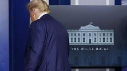 Demokrati vinia Trumpa z násilností, pokúsia sa o impeachment