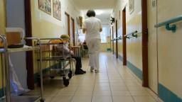 DSS si čoskoro budú môcť vydýchnuť, zamestnancov začali očkovať