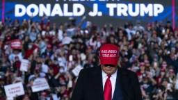 Trump čelí druhému impeachmentu, Snemovňa schválila žalobu