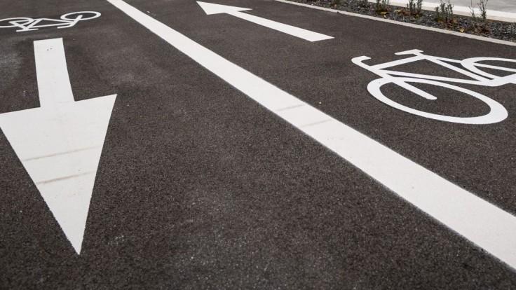 Vo fonde obnovy zabudli na cyklistov, europoslanci píšu Hegerovi