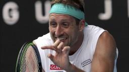 Mal pozitívny test, na Australian Open mu však pricestovať dovolili