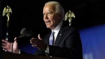 Biden predstavil záchranný balík, zvýšil by aj minimálnu mzdu