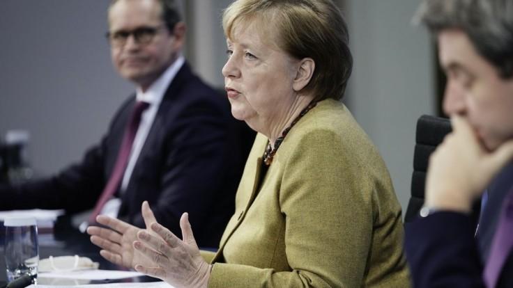 Favorita odmietla. Koho si vie Merkelová predstaviť na svojom mieste?