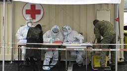 Obete pribúdajú, testy odhalili viac ako dvetisíc nakazených