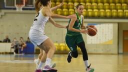 Úvodné zápasy basketbalistiek vyhrali najlepšie tímy základnej časti