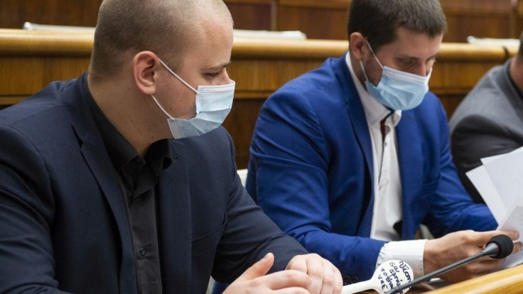 Veľký rozkol v ĽSNS. Uhrík a Mazurek už nechcú byť v predsedníctve