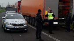 Česká polícia zintenzívnila na niektorých priechodoch kontroly