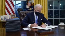 Biden si v pracovni našiel list od Trumpa, opísal ho ako veľkorysý
