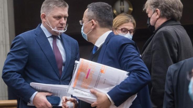 Buďte pri podpisovaní pozornejšia, žiada Ficova strana prezidentku