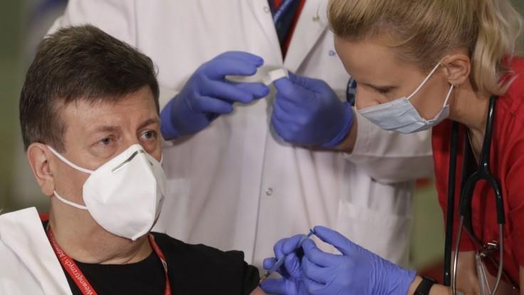 Poľsko nemá dosť zdravotníkov, pomôžu lekári z východnej Európy