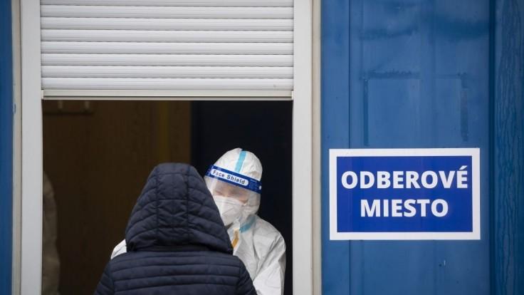 Maximálne sa chráňte, radí Bratislava ľuďom, ktorí sa idú testovať