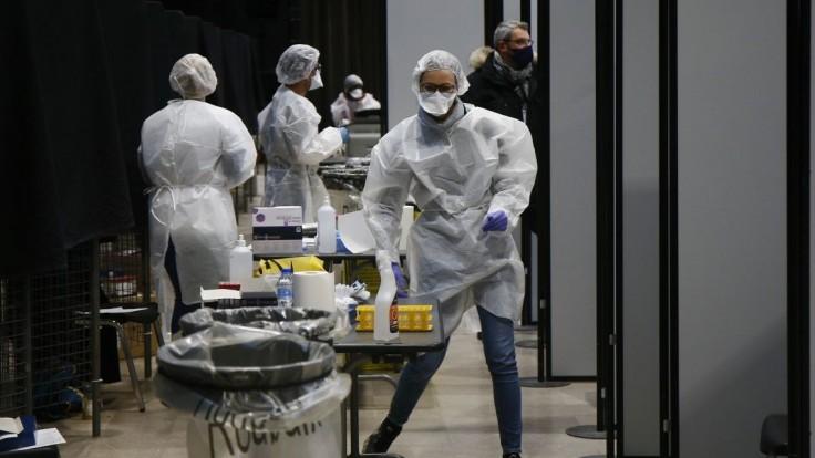 Francúzsko bude vyžadovať negatívny test aj od cestujúcich z EÚ