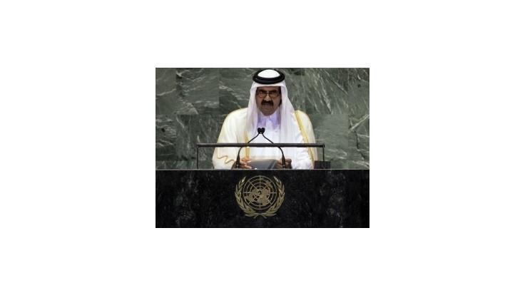 Katarský emir vyzval arabské krajiny na intervenciu v Sýrii