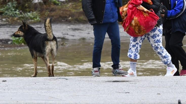 Ukrajinu sužujú dažde, zaplavilo aj rómsky tábor pri Slovensku