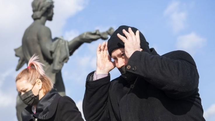 Kotleba reagoval na odliv poslancov ĽSNS. Vie, kto je za revoltou