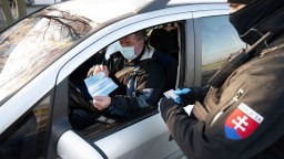 Testovanie je na konci, polícia avizuje kontroly dodržiavania opatrení