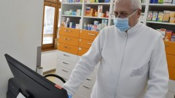 V boji s vírusom pomôže nový liek. Bude dostupný i na predpis