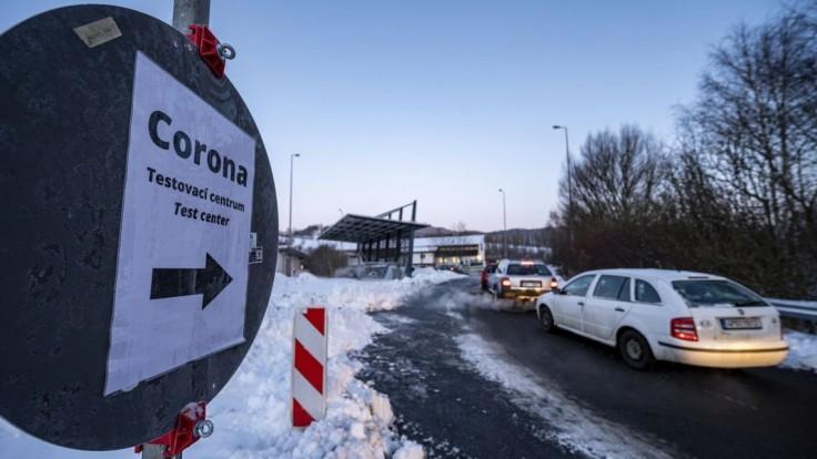 V Česku potvrdili britský kmeň. Agresívne sa šíri medzi zdravotníkmi