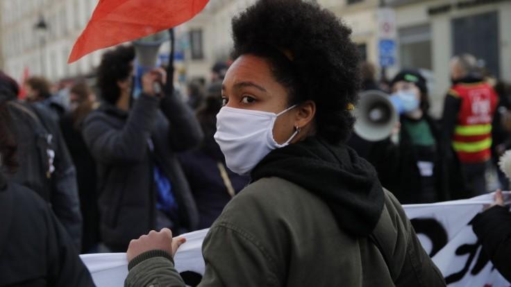 Francúzom sa nepáči bezpečnostný zákon, opäť protestujú