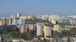 Bývanie nikdy nebolo drahšie. Ako sa hýbali ceny v krajoch?