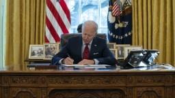 Biden chce napraviť Trumpove chyby, preskúma azylovú politiku