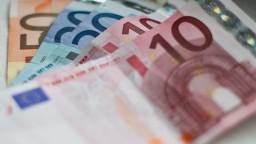 Deflácia v eurozóne sa skončila, ceny po mesiacoch stúpli