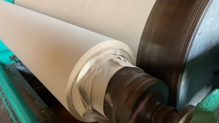 RE-leaf PAPER: Prelomový projekt výroby papiera z opadaného lístia