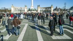 V Maďarsku sa situácia zhoršuje, priznal Orbán. Verí v čínsku vakcínu