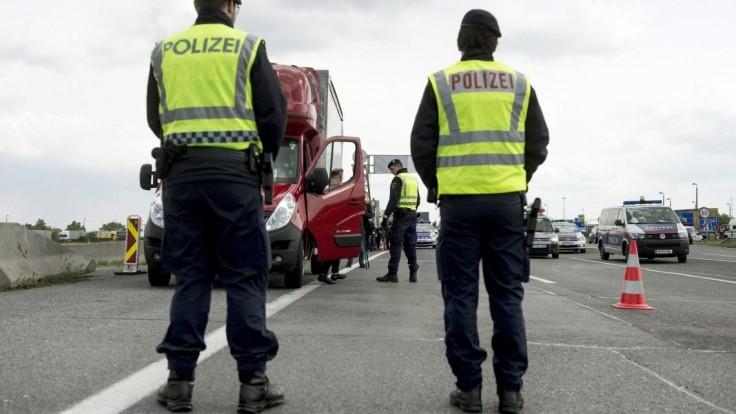 Rakúsko sprísni kontroly na hraniciach, dotkne sa to i Slovenska