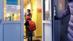 Deti z mnohých okresov sa do škôl nevrátili, hygienici to neodporučili
