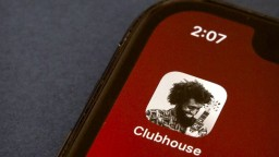 Čína zablokovala prístup k sociálnej sieti Clubhouse