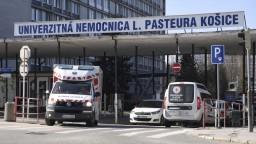 V košickej nemocnici úraduje britská mutácia. Pacientov pribúda