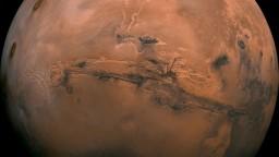 Pozrite si Mars zblízka. Sonda úspešne vstúpila na jeho dráhu