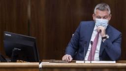 Pellegrini chce obnoviť dôveru. Vládu vyzval, aby podala demisiu