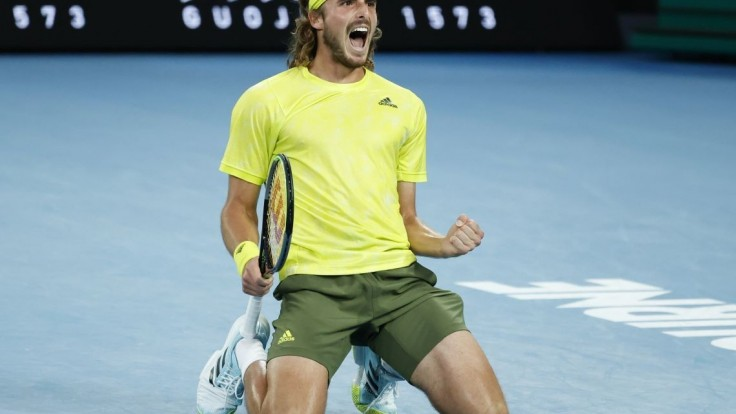 Senzačný zvrat. Tsitsipasa po dueli s Nadalom čaká semifinále