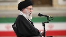 Nechceme slová, ale činy, odkázal iránsky vodca Spojeným štátom