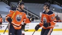 NHL: Edmonton sa posunul vyššie. McDavid napodobnil Crosbyho