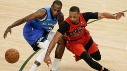 Basketbalisti Bucks ťahajú sériu prehier, podľahli aj Torontu