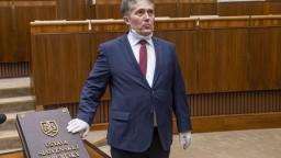 Dlhoročný poslanec za Smer-SD Ľubomír Petrák zomrel